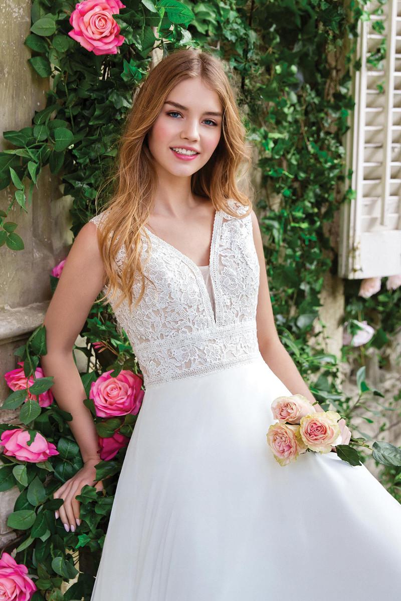 Mariaż Salon Mody ślubnej
